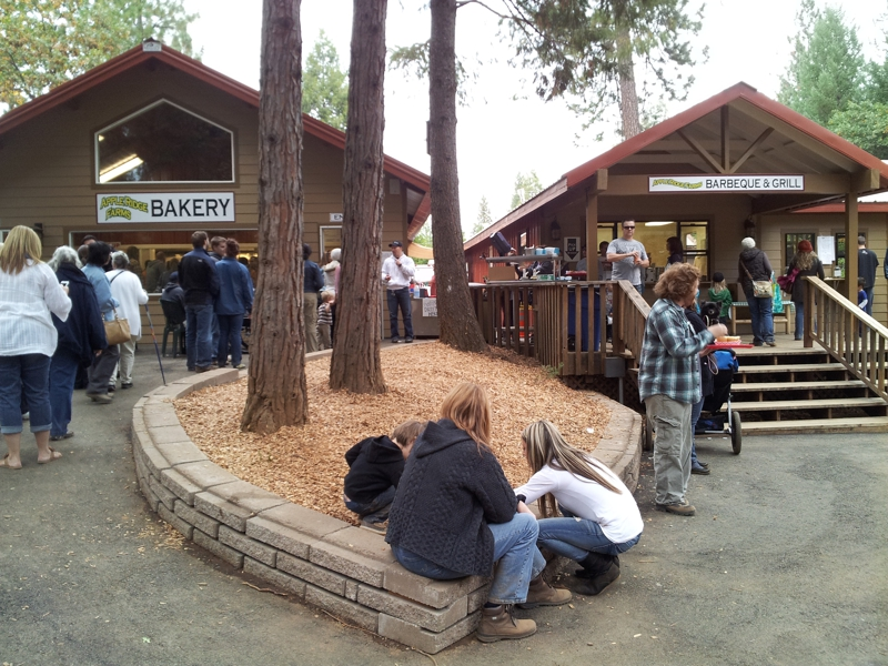 Camino, CA 95709 - Apple Ridge Farms (Apple Hill Grower No. 20) Bakery, Barbeque & Grill